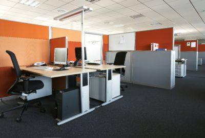kantoorinrichting met Serie L bureau van ophelis