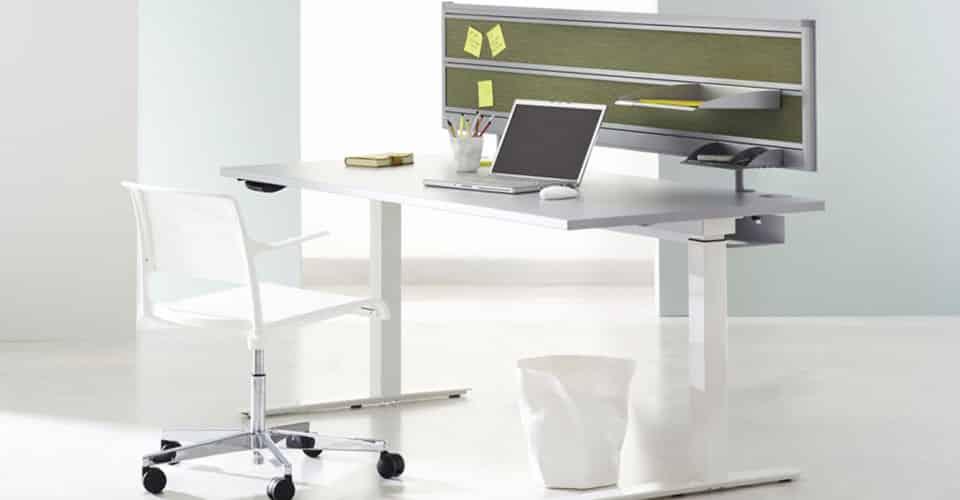 Serie CN elektrisch zit-sta bureau met vierkant poot