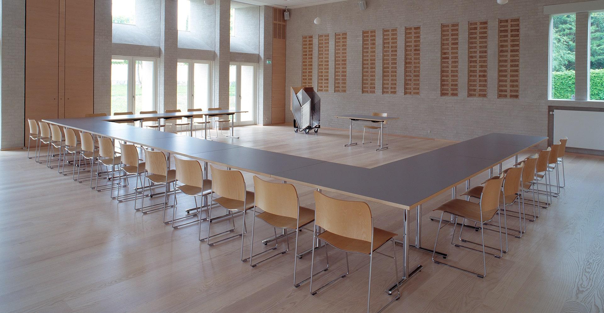 Howe Tempest verrijdbare en klapbare tafels