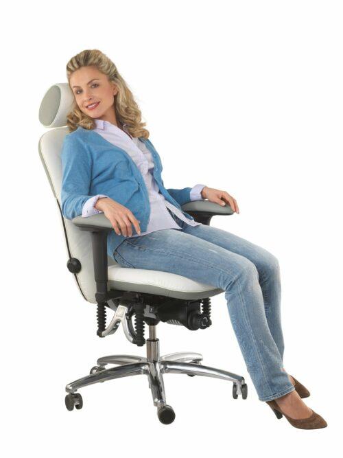"Bioswing bureaustoel 460 ""White Edition"" met vrouw"