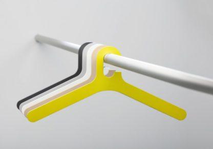 kledinghangers Cascando Pole