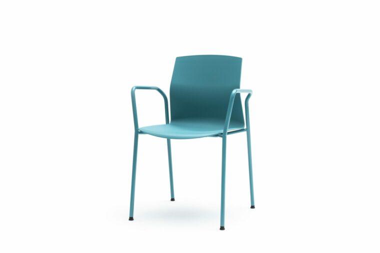 akaba kabi turqoise stoel met gesloten armlegger